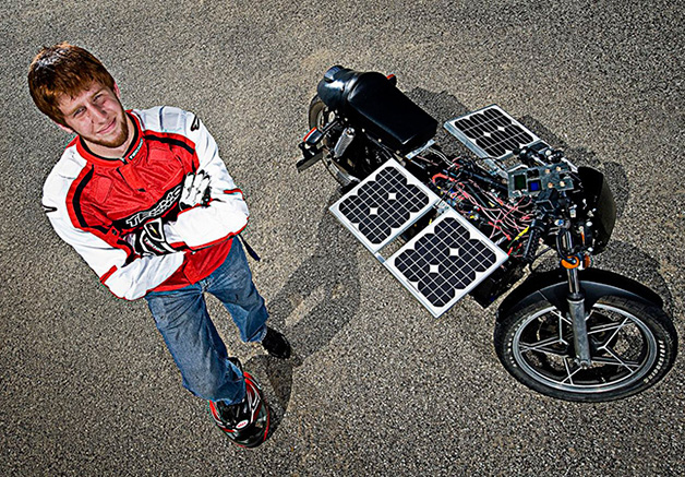 Moto movida a energia solar
